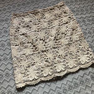 Ann Taylor Crochet Lace Pencil Skirt. Size 14